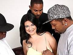 interracial mom fucking movies - Brunette Cougar MILF In Interracial Threesomexxx